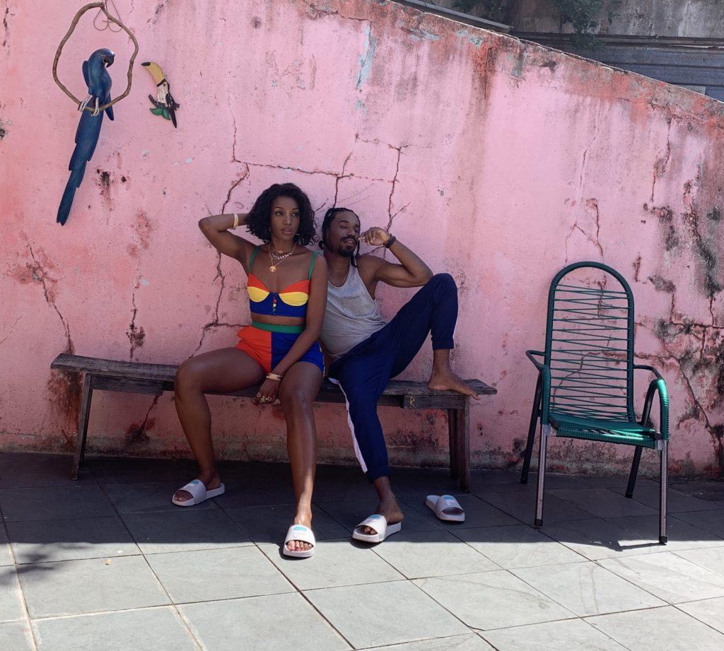 "Cobertura Com Sensual do clipe ""Meu Talismã"" de IZA."
